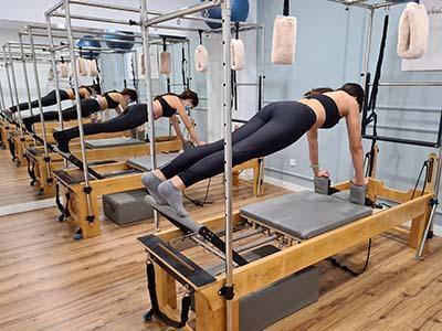 Pilates con máquinas permitirá a tus músculos ir adoptando un rango completo de movimiento